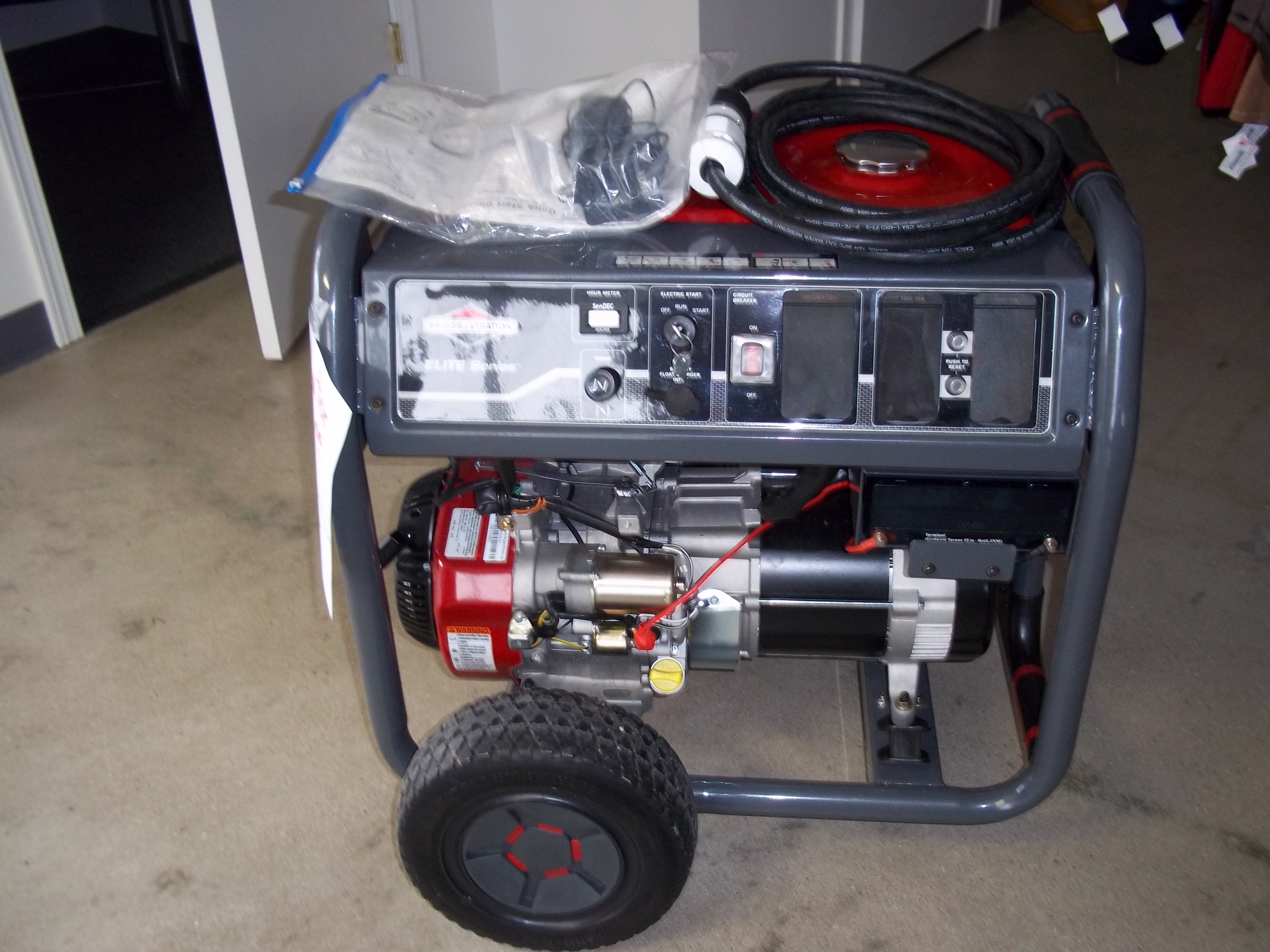 Briggs And Stratton Generator For Sale 600 Community Thrift Shop How Does An Electric Work We Are Asking This 30470 7000 Watt Start Portable However The Feature Doesnt