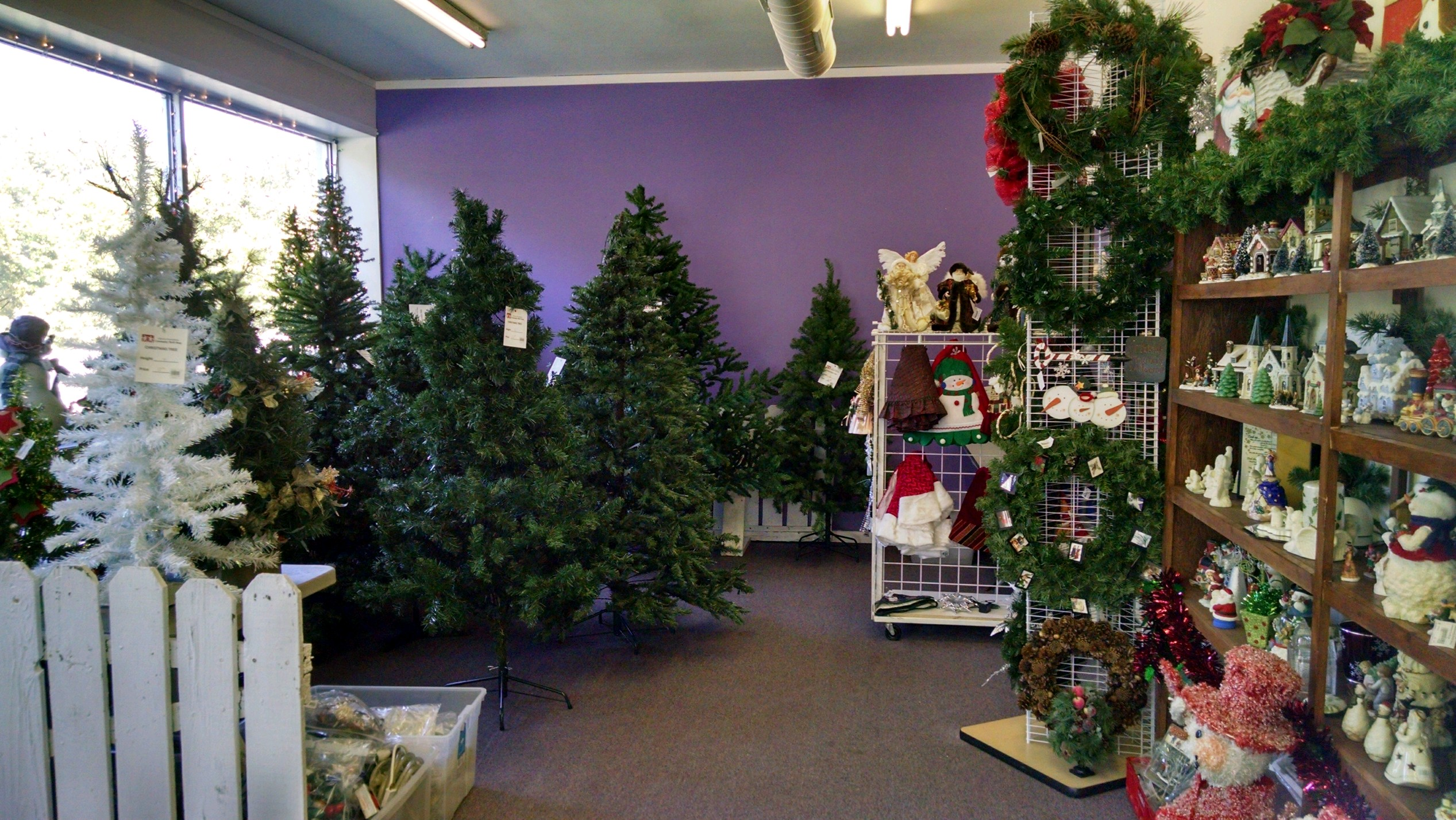 Holiday Store Home Decor Community Thrift Shop
